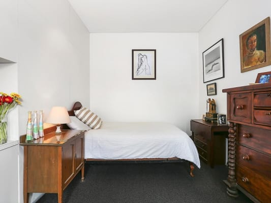 $480, 1-bed, 1 bathroom, Riley Street, Darlinghurst NSW 2010