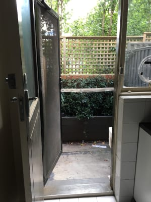 $275, Flatshare, 2 bathrooms, Charnwood Grove, St Kilda VIC 3182