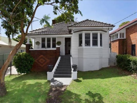 $216, Share-house, 3 bathrooms, Dempster Street, West Wollongong NSW 2500