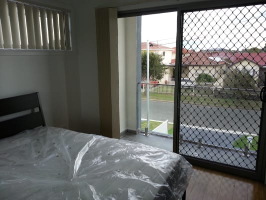 $220, Share-house, 5 bathrooms, Queen Street, Canley Heights NSW 2166