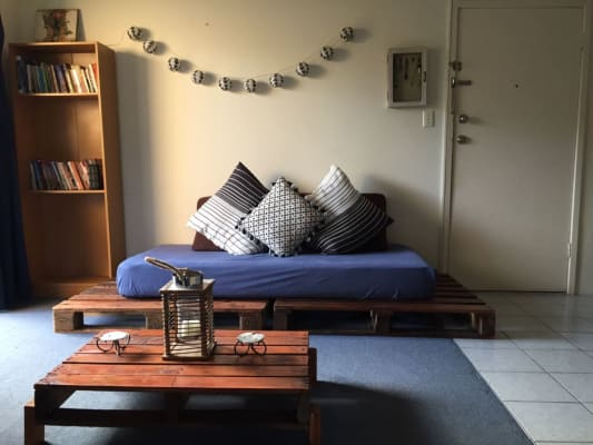 $130, Student-accommodation, 2 bathrooms, Hedges Avenue, Mermaid Beach QLD 4218