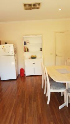 $110, Flatshare, 3 bathrooms, Keck Street, Flora Hill VIC 3550