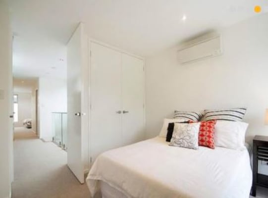 $350, Share-house, 2 bathrooms, York Street, Prahran VIC 3181