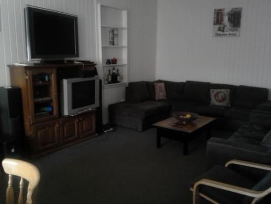 $110, Share-house, 5 bathrooms, Chisholm Road, Carrara QLD 4211