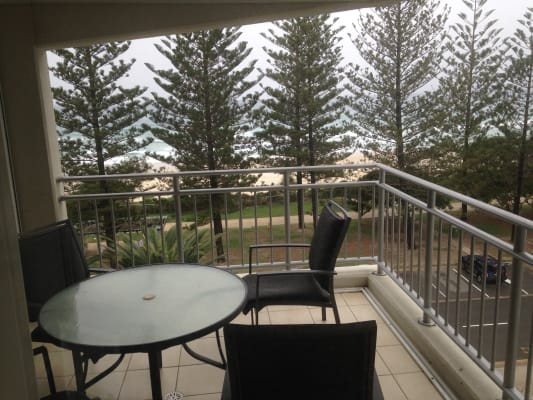 $250, Flatshare, 3 bathrooms, The Esplanade, Burleigh Heads QLD 4220