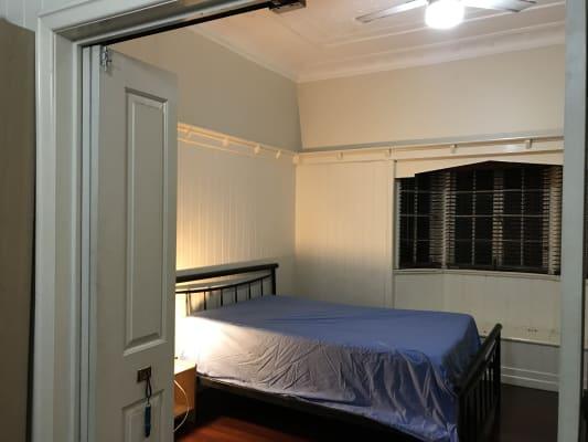 $165, Share-house, 4 bathrooms, Lambton Street, Annerley QLD 4103