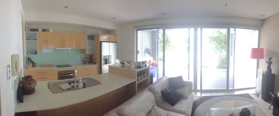 $250, Flatshare, 2 bathrooms, Madang Crescent, Runaway Bay QLD 4216