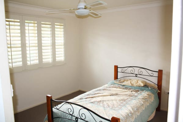 $200, Share-house, 3 bathrooms, Granada Avenue, Macquarie Hills NSW 2285