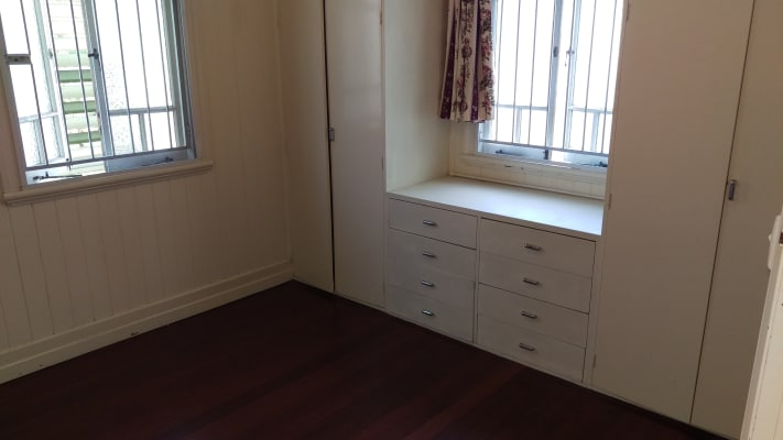 $180, Share-house, 2 bathrooms, York Street, Coorparoo QLD 4151