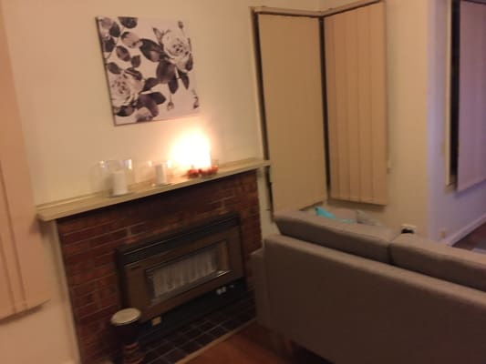 $180, Share-house, 3 bathrooms, Arvern Avenue, Avondale Heights VIC 3034