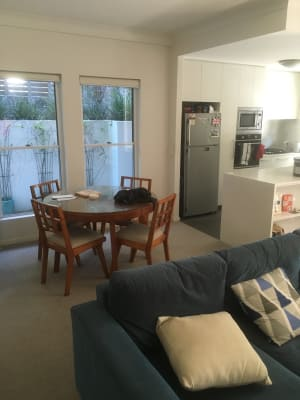 $275, Flatshare, 2 bathrooms, Dixon Street, New Farm QLD 4005