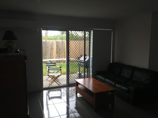 $150, Share-house, 3 bathrooms, Highgrove Street, Calamvale QLD 4116