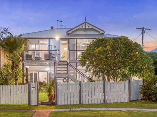 $450, Whole-property, 2 bathrooms, Kingsley Terrace, Manly QLD 4179