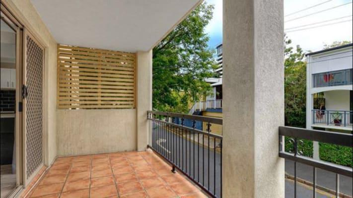 $280, Flatshare, 2 bathrooms, Birley Street, Spring Hill QLD 4000
