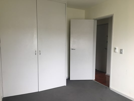 $200, Flatshare, 2 bathrooms, Kensington Road, South Yarra VIC 3141