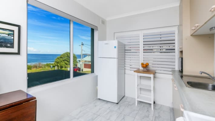 $295, Flatshare, 2 bathrooms, Ocean Street, Narrabeen NSW 2101
