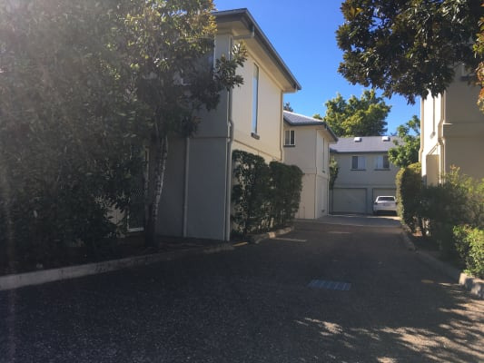$120, Share-house, 3 bathrooms, Mearns Street, Fairfield QLD 4103