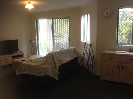 $200, Flatshare, 2 bathrooms, Meron Street, Southport QLD 4215