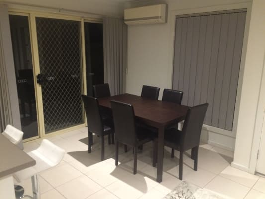 $200, Flatshare, 2 bathrooms, Caron Close, Hallam VIC 3803
