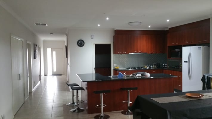 $170, Share-house, 5 bathrooms, Timbarra Court, Craigieburn VIC 3064