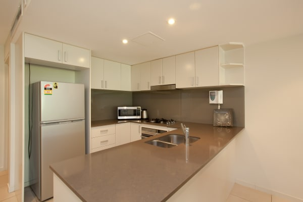 $1,175, Whole-property, 2 bathrooms, Wentworth Park Road, Glebe NSW 2037