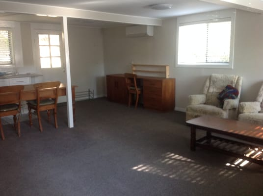 $290, 1-bed, 1 bathroom, Stonehenge Street, Chapel Hill QLD 4069