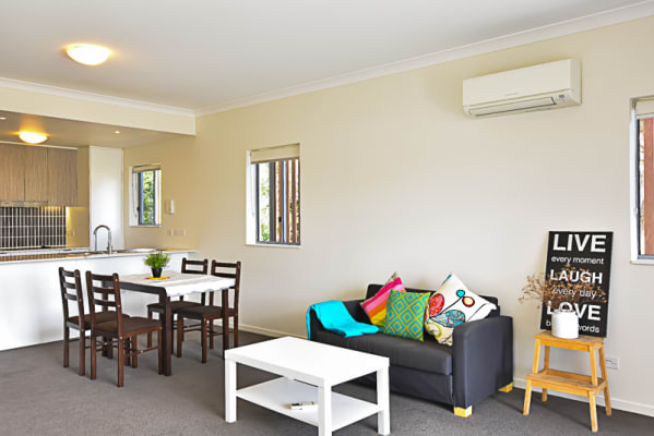 $290, Flatshare, 2 bathrooms, Waldheim Street, Annerley QLD 4103