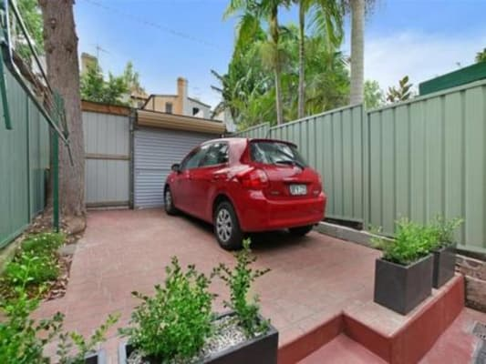 $330, Share-house, 4 bathrooms, Shepherd Street, Chippendale NSW 2008