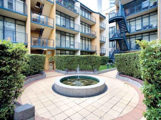 $185, Flatshare, 2 bathrooms, La Trobe Street, Melbourne VIC 3000