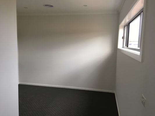 $180, Share-house, 4 bathrooms, Woodlea Boulevard, Rockbank VIC 3335
