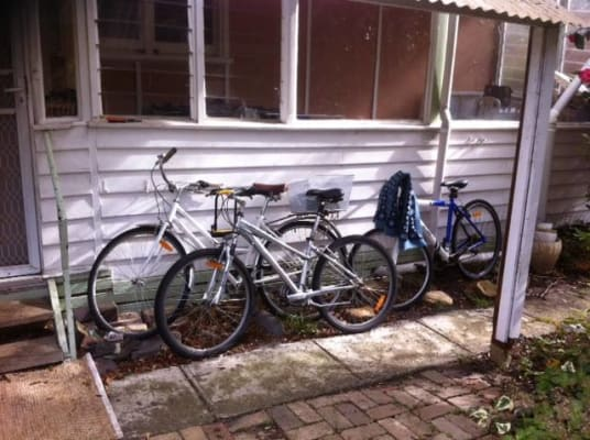 $150, Share-house, 3 bathrooms, Lawson Street, Balwyn North VIC 3104