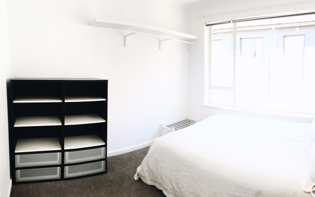 $205, Flatshare, 2 bathrooms, Sydney Road, Brunswick VIC 3056