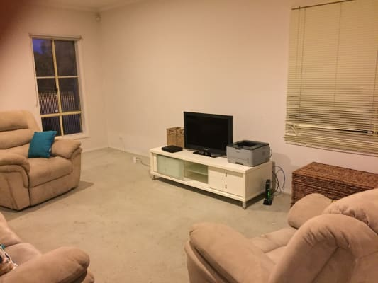 $115, Share-house, 5 bathrooms, Military Road, Avondale Heights VIC 3034
