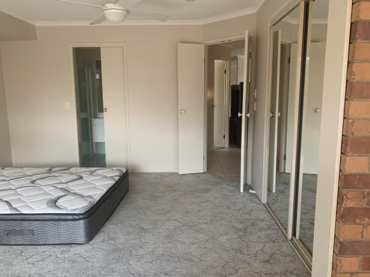$175, Share-house, 3 bathrooms, Valerie Close, Edens Landing QLD 4207