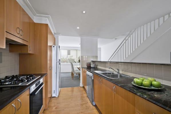 $400, Flatshare, 2 bathrooms, Alexander Street, Crows Nest NSW 2065