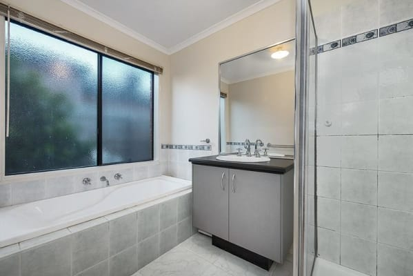 $160, Share-house, 3 bathrooms, Redmond Court, Bundoora VIC 3083