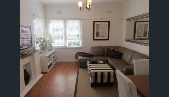 $325, Flatshare, 2 bathrooms, Merlin Street, Neutral Bay NSW 2089