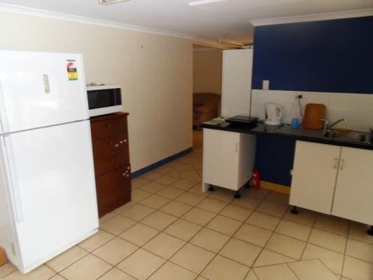 $125, Share-house, 4 bathrooms, Cinderella Drive, Springwood QLD 4127