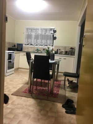 $180, Homestay, 3 bathrooms, Cook Street, Golden Beach QLD 4551