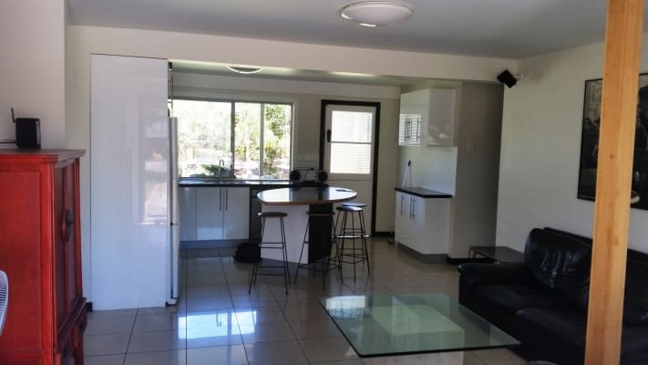 $180, Flatshare, 4 bathrooms, Golf Links Road, Rocklea QLD 4106