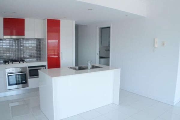 $290, Flatshare, 2 bathrooms, Lawson Street, Southport QLD 4215