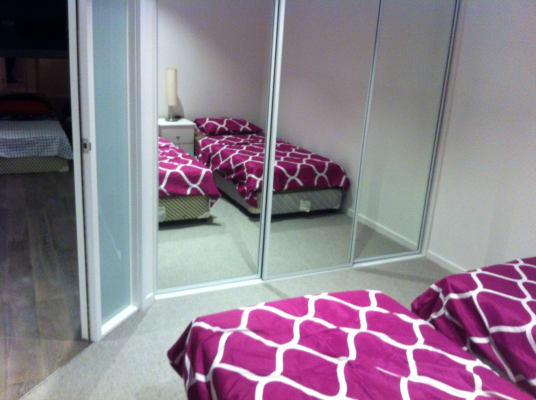 $165, Flatshare, 2 bathrooms, La Trobe Street, Melbourne VIC 3000