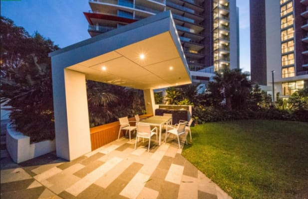 $220, Flatshare, 3 bathrooms, East Quay Drive, Biggera Waters QLD 4216