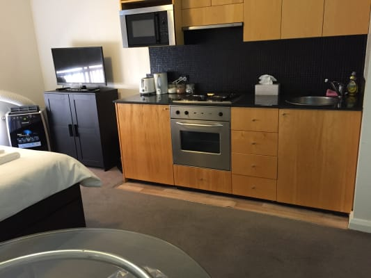 $550, Flatshare, 1 bathroom, Dwyer Street, Chippendale NSW 2008
