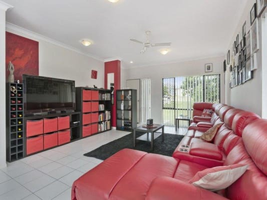 $180, Share-house, 3 rooms, Whitehouse Court, Redbank Plains QLD 4301, Whitehouse Court, Redbank Plains QLD 4301