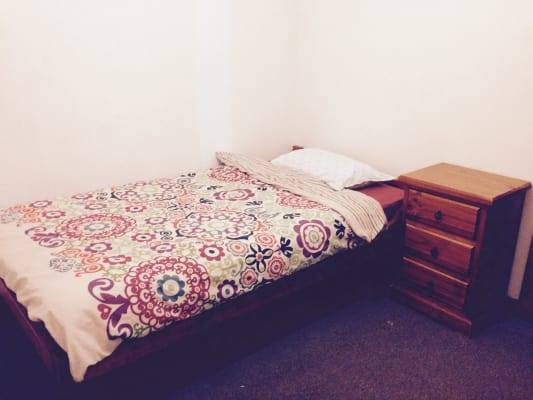 $185, Flatshare, 3 bathrooms, King Street, Newtown NSW 2042