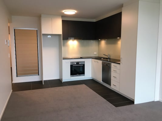 $250, Whole-property, 3 bathrooms, Festival Place, Newstead QLD 4006