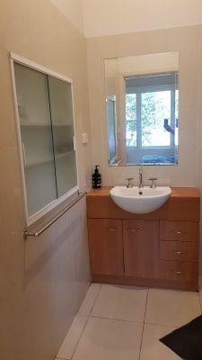 $325, Share-house, 4 bathrooms, Dean Avenue, Saint Kilda East VIC 3183