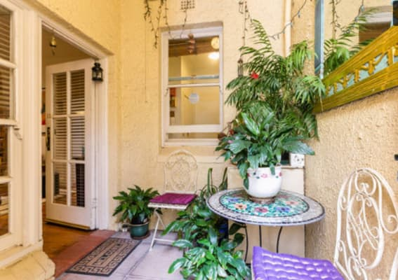 $300, Flatshare, 2 bathrooms, Marine Parade, Saint Kilda VIC 3182