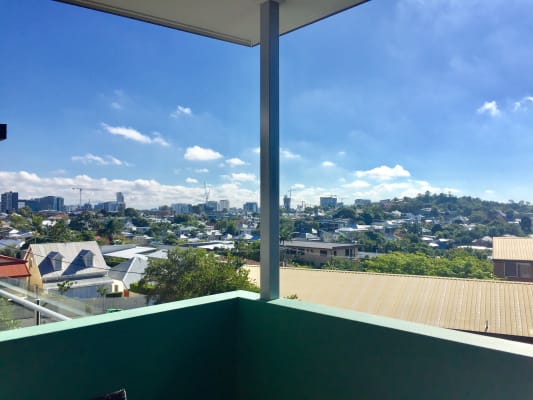 $240, Flatshare, 2 bathrooms, Brunswick Street, New Farm QLD 4005